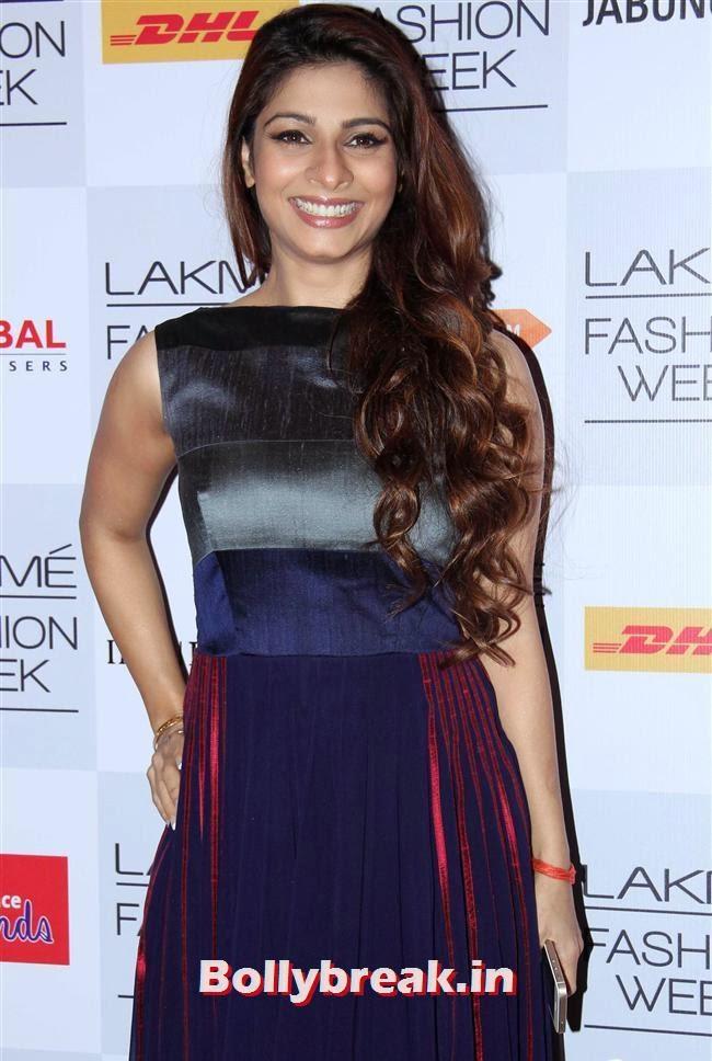 Tanisha Mukherjee, Bollywood Actresses at Manish Malhotra Show at LFW Summer Resort 2014