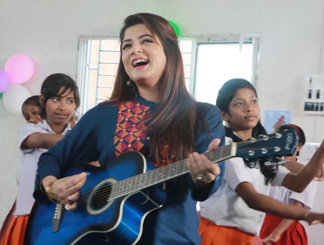 Srabanti in Bengali film Uraan