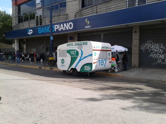 Instalan un Móvil Sanitario del 107 en el Banco Piano de Merlo