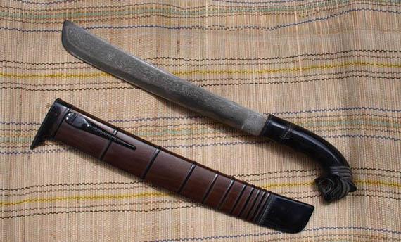 Senjata Tradisional Jawa Barat Bedog