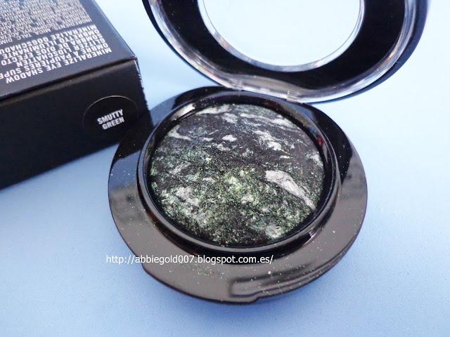 smutty-green-eyeshadow