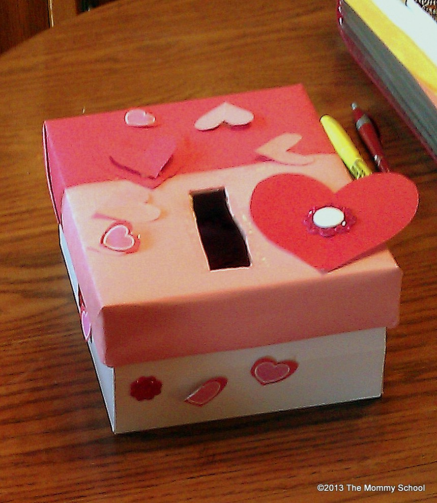 Valentine Decorated Boxes: The Mommy School: Week 19- Somebody Loves You, Mr. Hatch