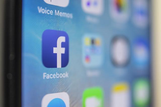 يقوم الفيسبوك بتجربة 'upvotes' و 'downvotes' لقسم التعليقات الخاص به