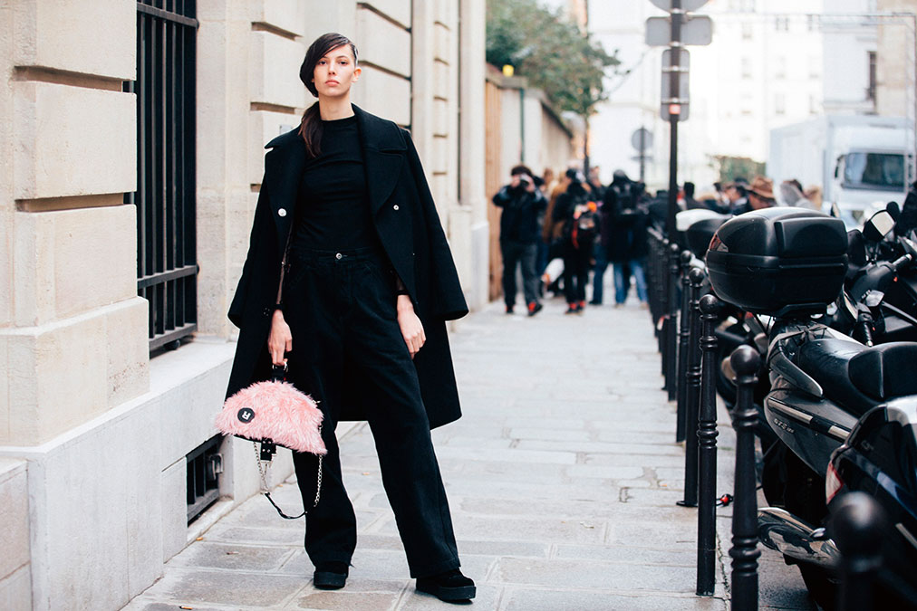 Street Style: Rudy Aldridge's All Black High-Waisted Look