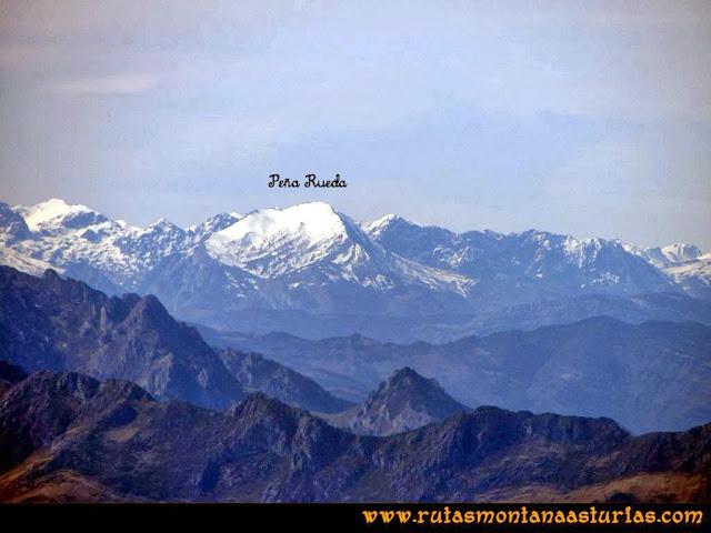 Ruta Pico Vízcares: Desde la cima del Vízcares, vista de Peña Rueda