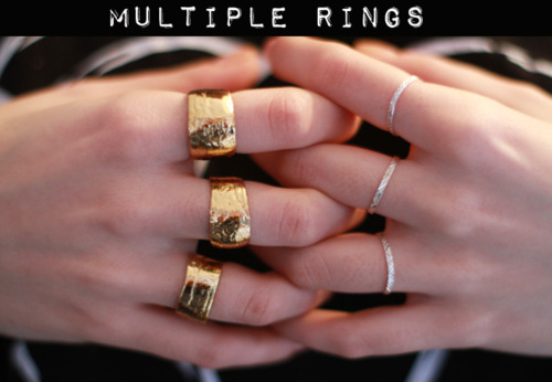 How to Wear Multiple Rings