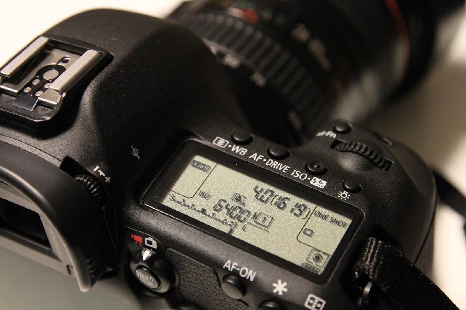 Daftar Harga Kamera Terbaru Agustus 2016 Perbandingan Nikon D3300 Kit 18 55mm Vr Hitam Canon Eos 5d Mark Iii Lensa 24 105mm 223 Mp