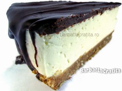 Felie de cheesecake fara coacere cu ciocolata (imaginea retetei)
