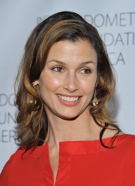 bridget moynahan u0026 39 s hairstyles  oh  and guess what she just did  she got married wearing a