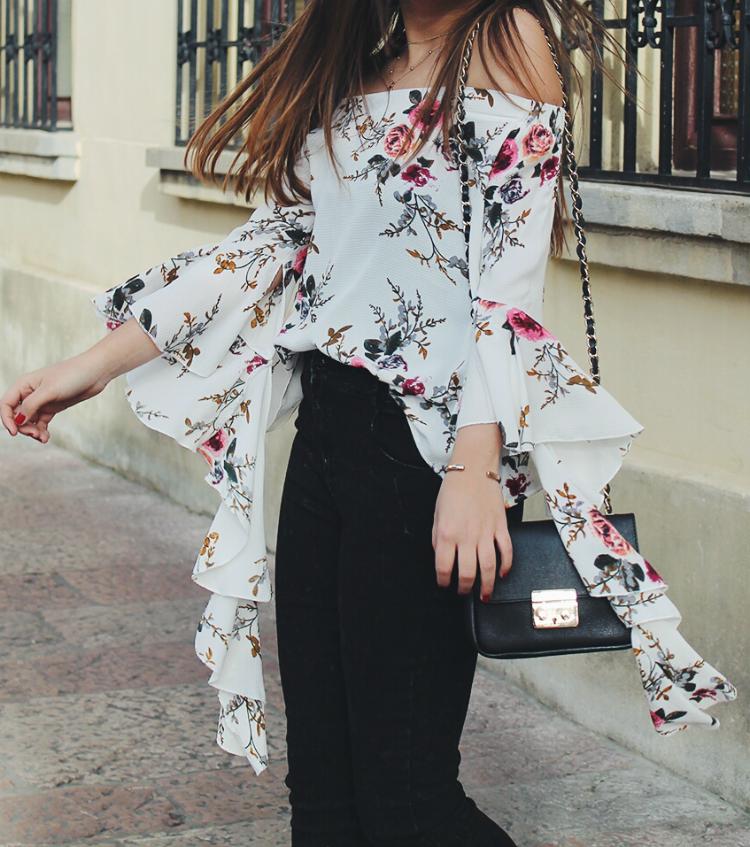 Blusa de volantes y flores de shein