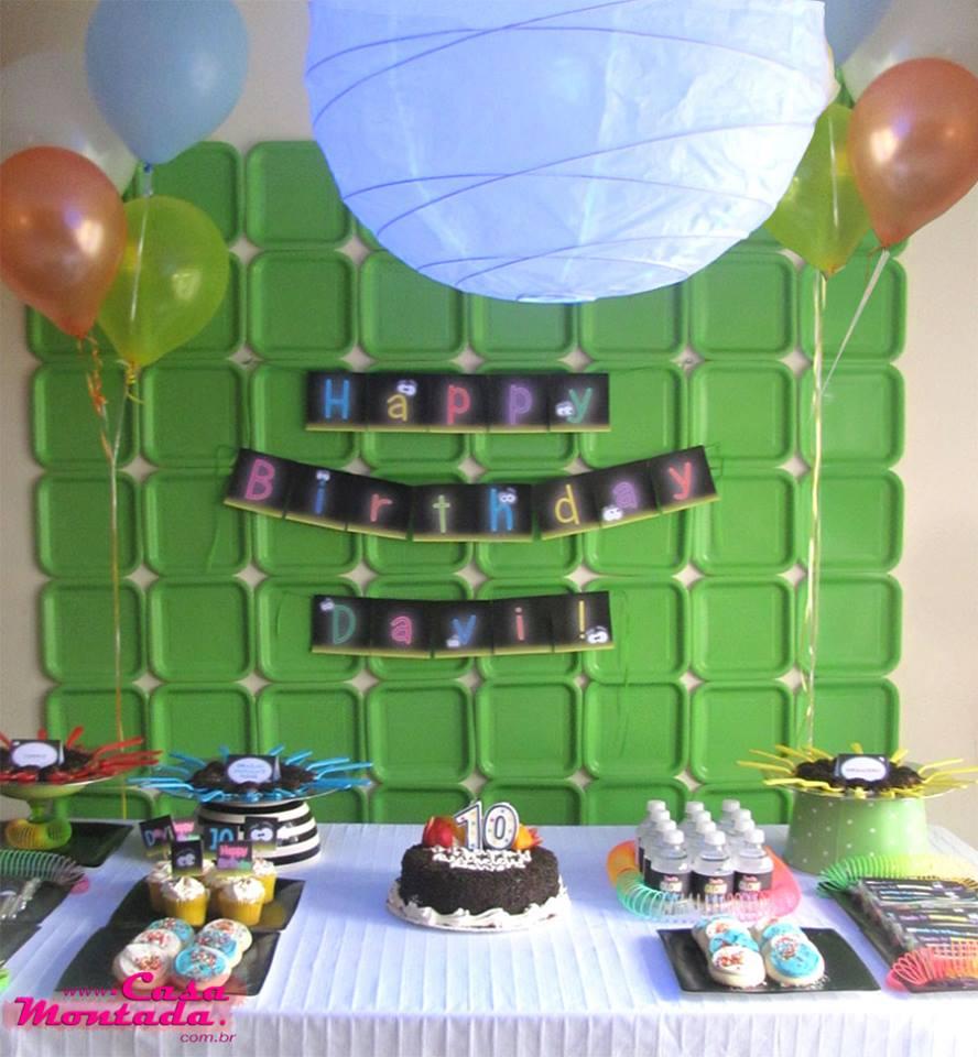 Decoração de festa com pratinhos
