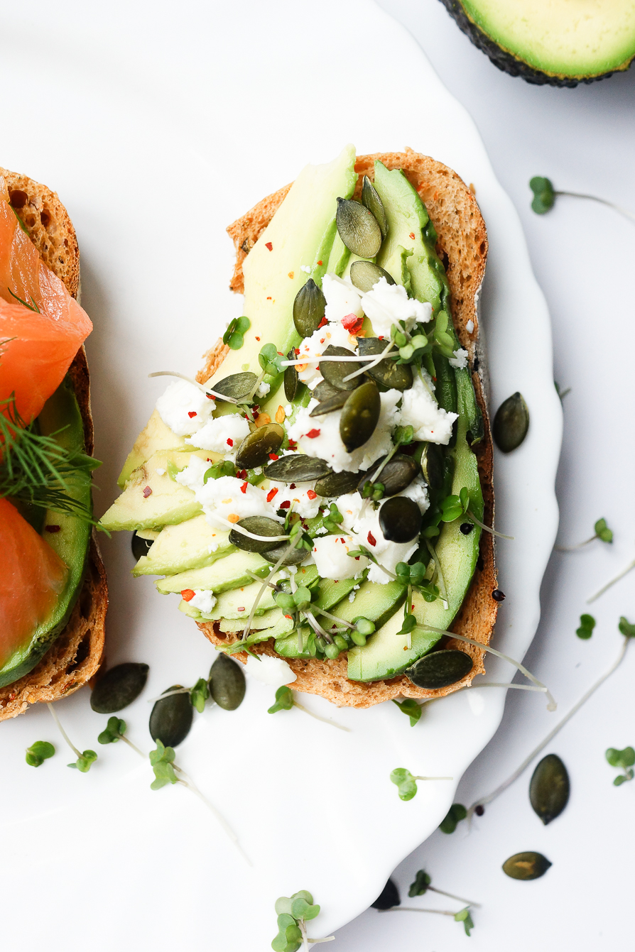food-photography-avocado-goats-cheese-chilli-pumpkin-seeds-toast