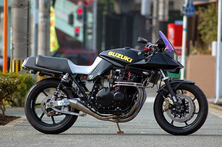 Racing Caf U00e8  Suzuki Gsx 1100 S Katana By Quarter