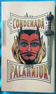 Portada del libro Condenada, de Chuck Palahniuk