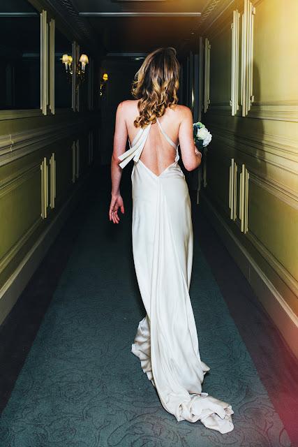 robe de mariée dos nu fanny liautard Paris