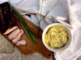 Slaninová majonéza s pažitkou