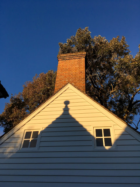 Outbuilding of the George Wythe House in Colonial Williamsburg via foobella.blogspot.com