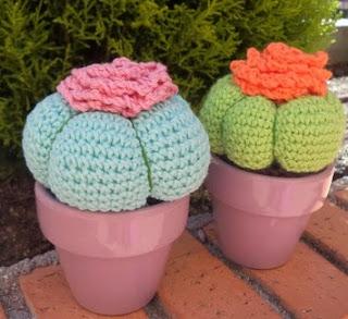 http://www.happyganchillo.es/2014/07/como-hacer-un-cactus-de-ganchillo.html