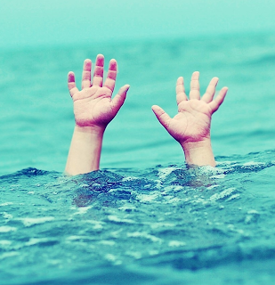 Resultado de imagem para criança se afoga