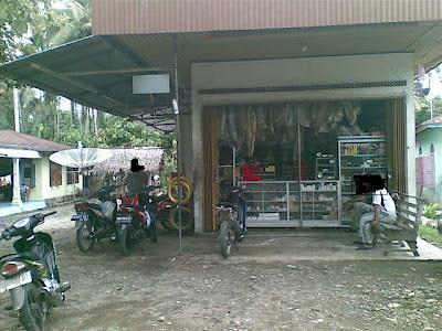 bengkel motor di padang