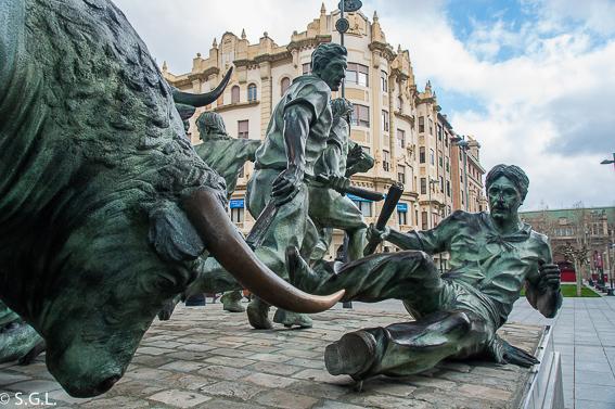 Estatua del encierro. Pamplona