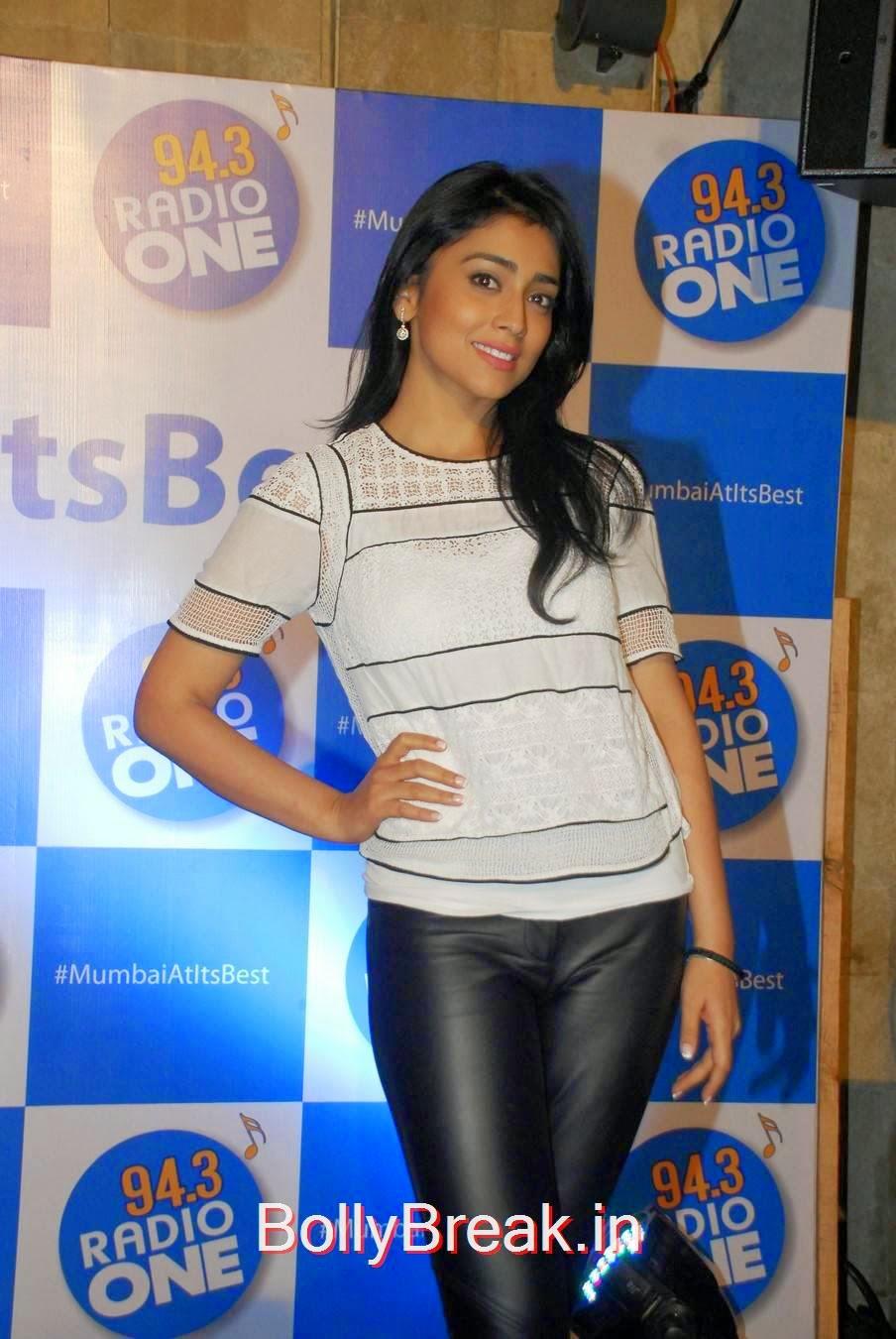 Shriya Saran images, Shriya Saran Hot Pics in Black Tight Leggings & Top at event