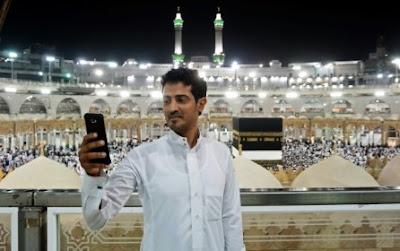 Perlu Di Ingat, Larang Jamaah Haji  Foto Di Dekat Ka'bah