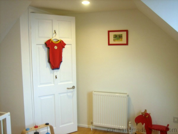 Red toddler bedroom - our-handmade-home.com