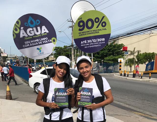 Casal oferece descontos de até 90% em multas e juros e faz panfletagem em cidades do sertão de Alagoas
