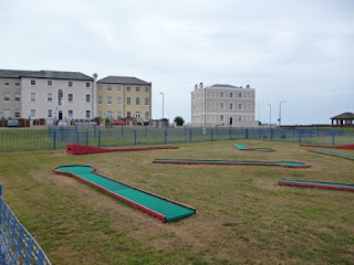 Crazy Golf in Essex - Walton-on-the-Naze