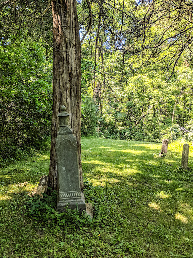 Cemetery on Old Orchard Pass Trail