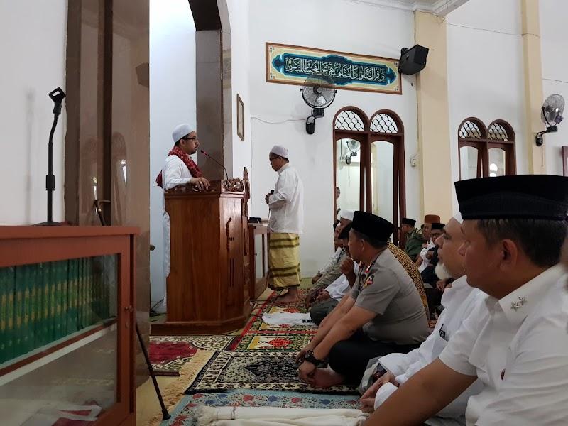 Antara Kapolri dan Santri; Kunjungan Kapolri ke Majelis Ta'lim Habib Abubakar bin Hasan Alattas Az Zabidi