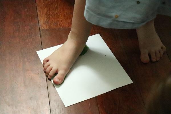 peindre avec les pieds