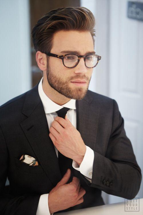 b15ce4fcd71f0 2) Óculos Masculino com Armação Transparente Que tal uma Armação  transparente, hein TIME  Dependendo do Look, do Visual e da Cor da Lente,  ...