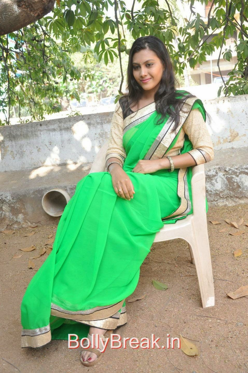 Priyanka Unseen Stills, Hot Pics Of Priyanka In Green Saree from SS Art Productions Production No 1 Movie