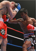 sombat banchamek punch his opponent