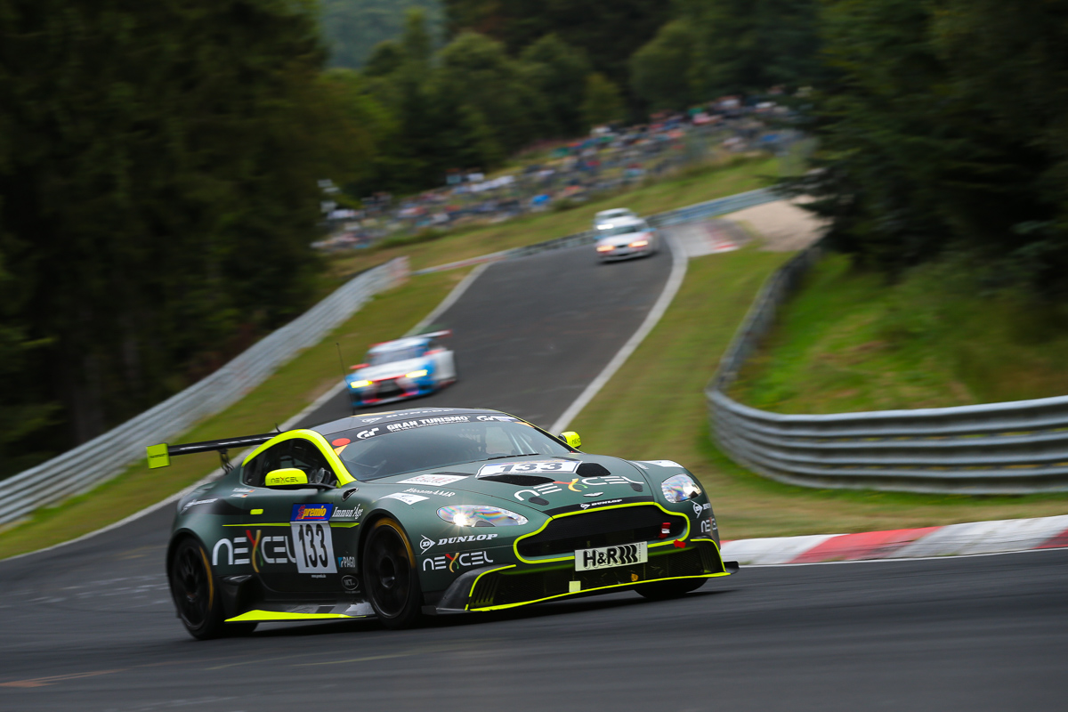 On another note it was great to see that aston martin were again competing at the nordschleife with their gorgeous looking vantage gt8 where test centre