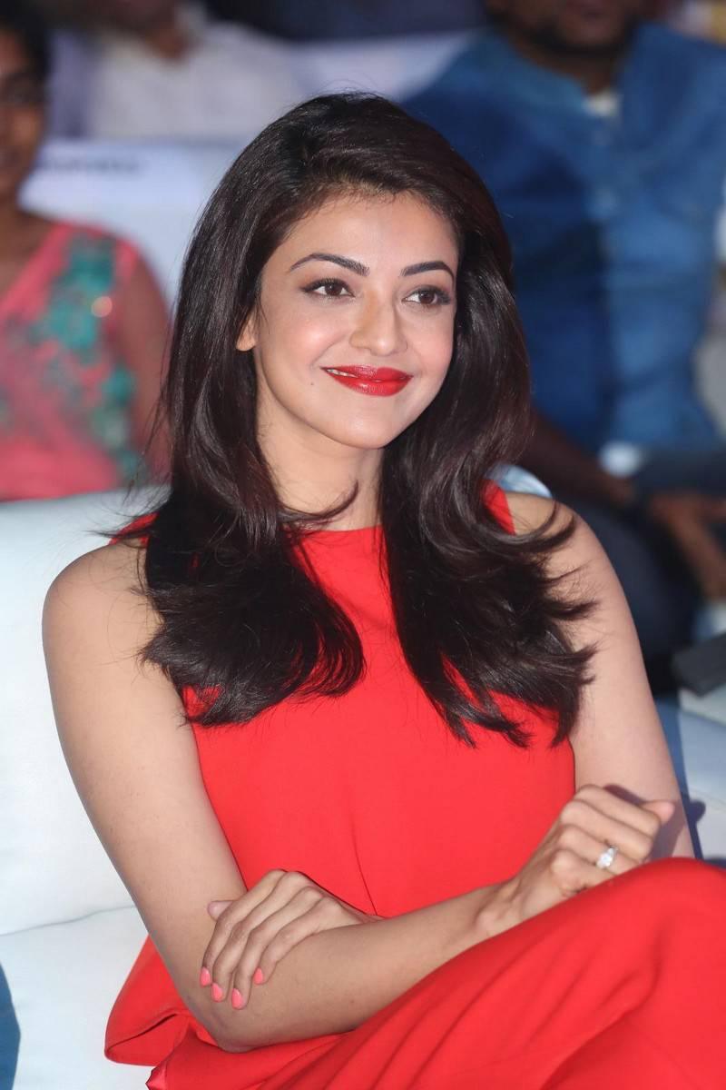 actress celebrities photos: kajal aggarwal latest stills at oopiri
