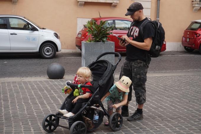 Kokemuksia Roomasta lasten kanssa - matkarattailla lasten kanssa Roomassa, Britax B-Agile