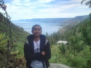 Sipiso-piso dengan landscape Danau Toba