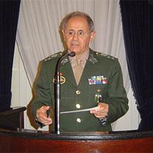 Gen Ex Maynard Marques de Santa Rosa - Procurando o rumo