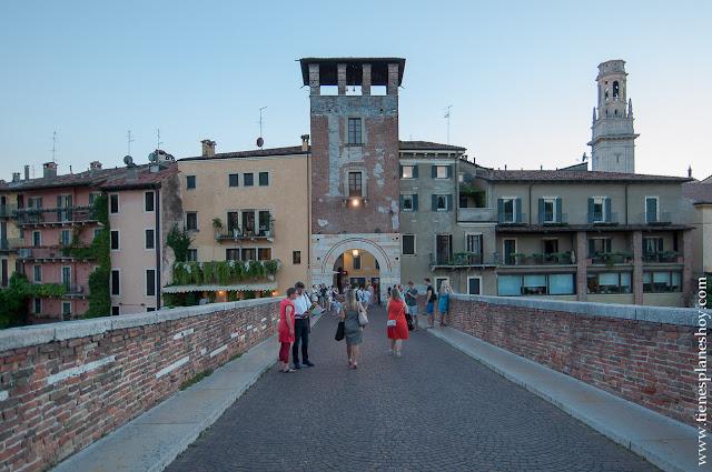 Ponte di Pietra Verona viaje Italia blog