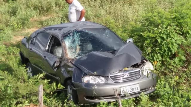Brejo-santense leva trancada, perde o controle e capota veículo na PB-323 saída de Catolé do Rocha