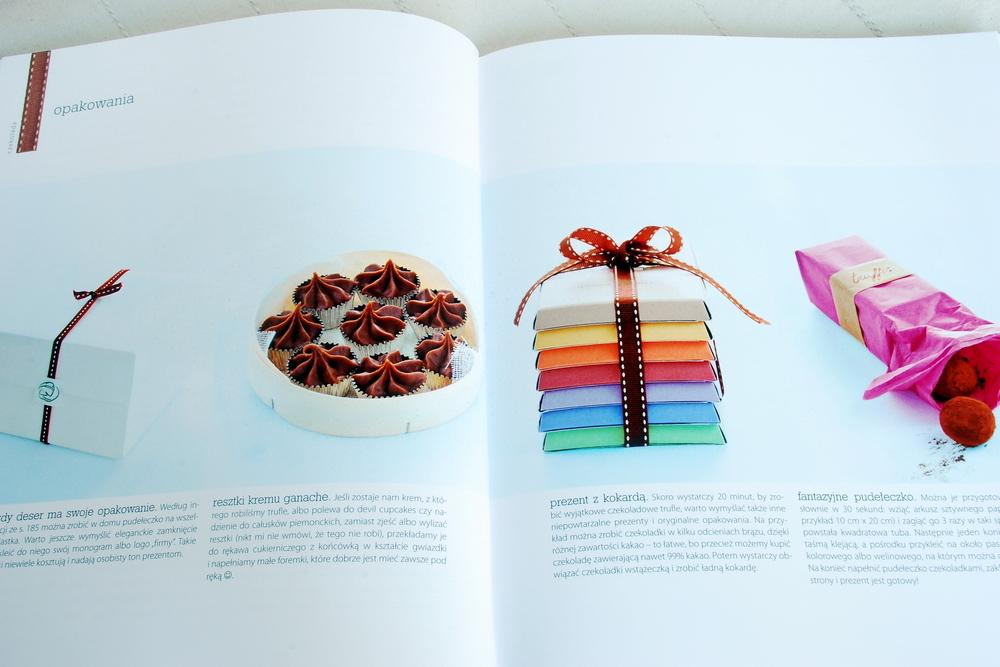 Wnętrze książki, przykładowe opakowania słodkości