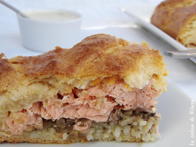 Kulibiak (empanada rusa de salmón)