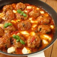 http://smakmojegodomu.blogspot.com/2018/06/pulpety-w-sosie-pomidorowym-z-mozzarella.html