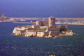 Castillo e Isla de If desde Notre-Dame de la Garde.