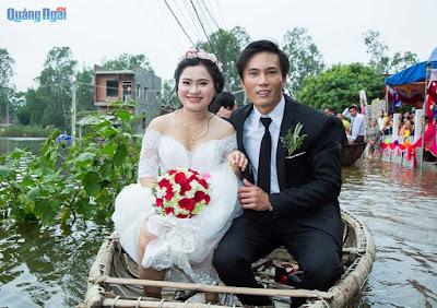HÌNH ẢNH Đám cưới mùa lũ ở Quảng Ngãi