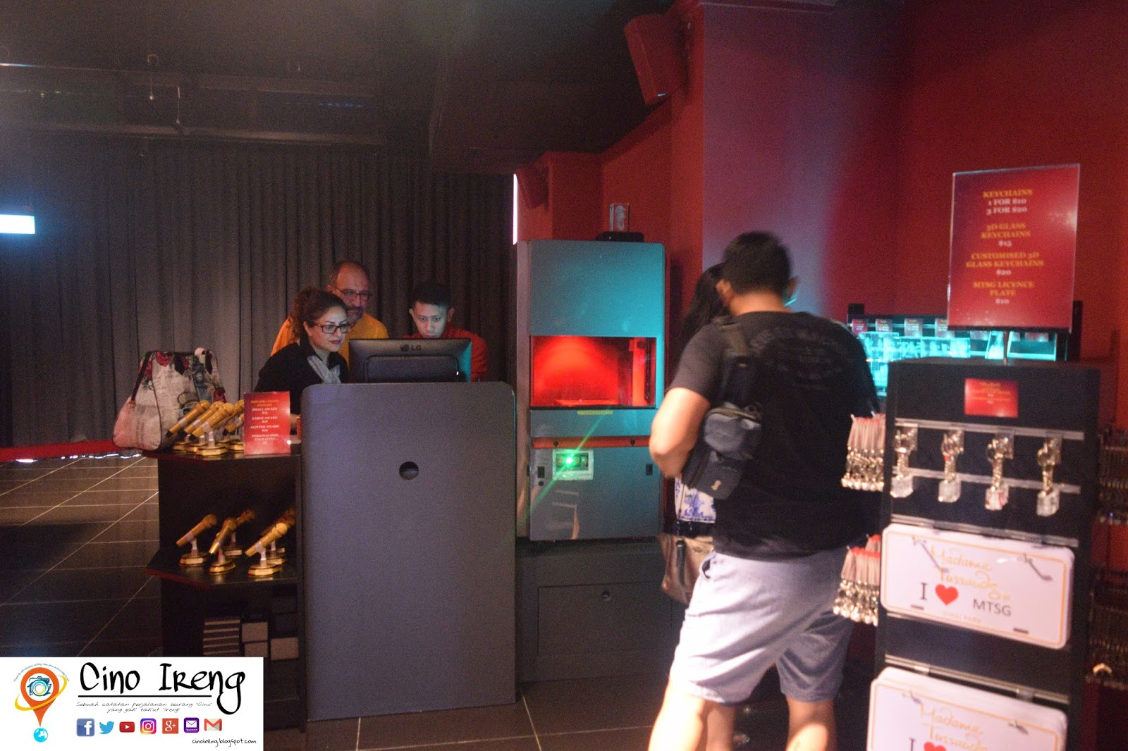 Kenalan Selfie Bareng Tokoh Terkenal Cino Ireng Tiket Madame Tussauds Singapore Akhirnya Bisa Menghirup Udara Segar Saat Istirahat Dan Waktu Liat Jam Jujur Gue Sendiri Kaget Soalnya Sekitar 3 Kita Keliling