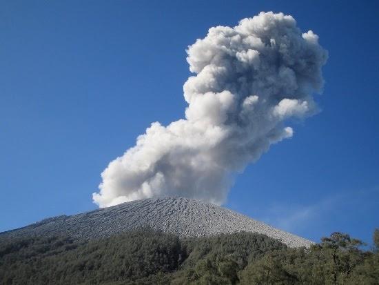 Mahameru Puncak Gunung Semeru Wisata Gunung Bromo Tengger Semeru